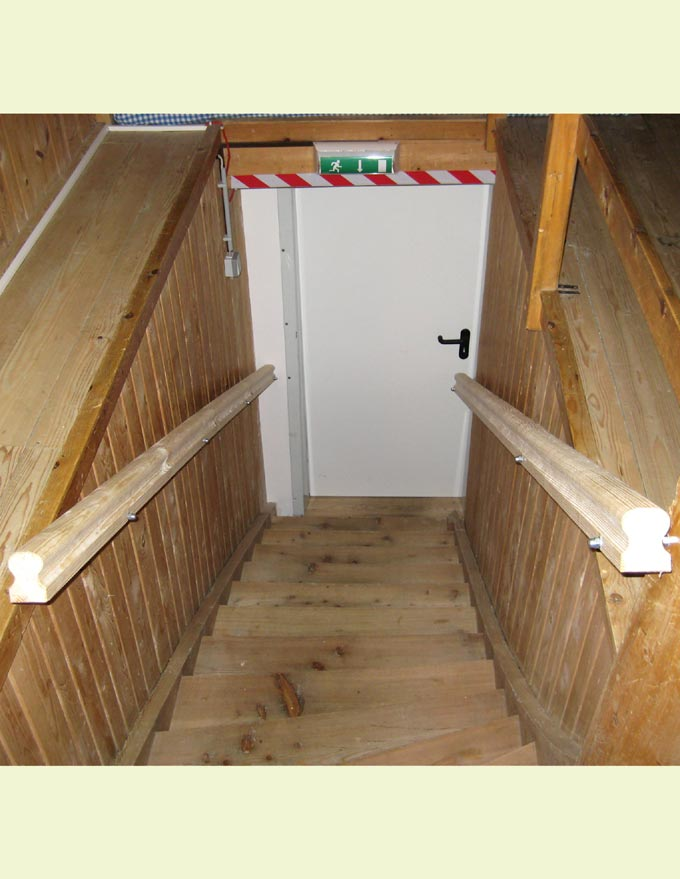 Holzbau bock treppen
